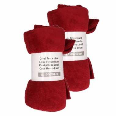 2x donker rode rode fleece deken 150 x 200 cm
