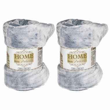 2x flanellen/fleece dekens/plaids zilver 150 x 200 cm