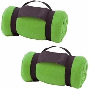 2x fleece dekens/plaids groen afneembaar handvat 160 x 130 cm