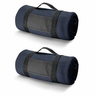 2x fleece dekens/plaids navy met afneembaar handvat 150 x 120 cm