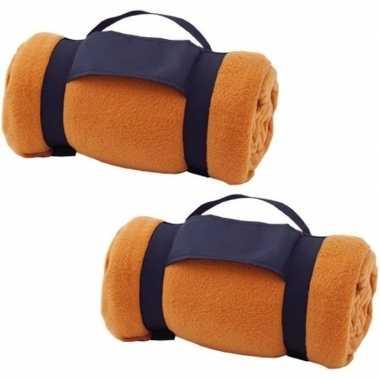 2x fleece dekens/plaids oranje afneembaar handvat 160 x 130 cm