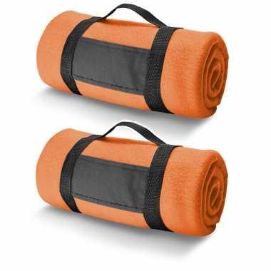 2x fleece dekens/plaids oranje met afneembaar handvat 150 x 120 cm