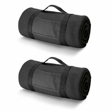 2x fleece dekens/plaids zwart met afneembaar handvat 150 x 120 cm