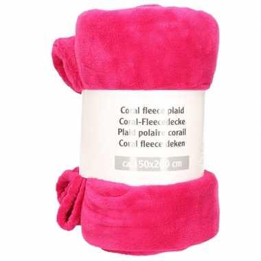 Magenta roze fleece deken 150 x 200 cm