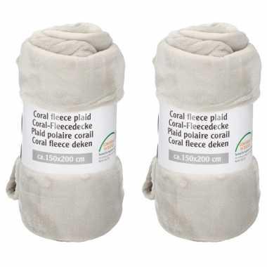 Set van 8x stuks creme fleece dekens 150 x 200 cm