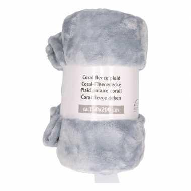 Zilveren fleece deken 150 x 200 cm