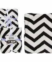 Zigzag fleece deken zwart met wit